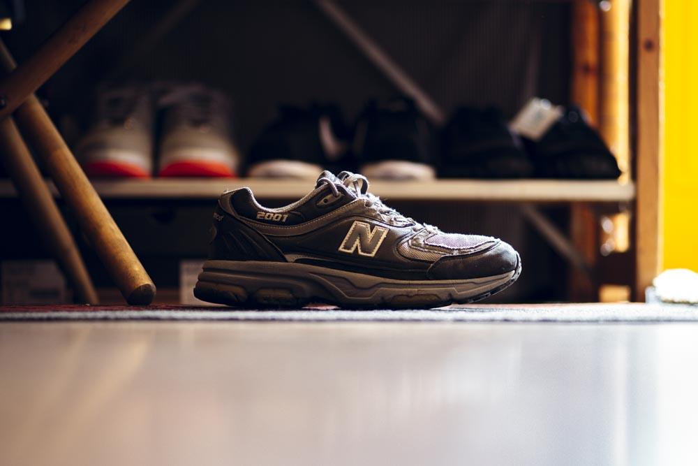 ニューババランス2000