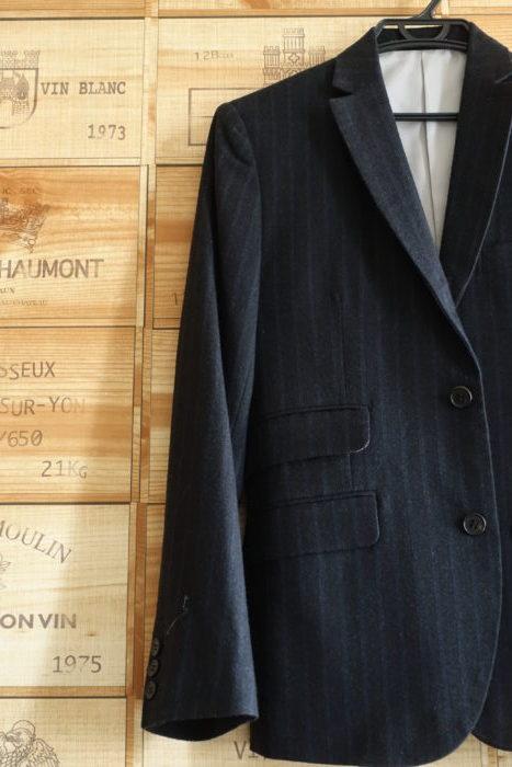 高いスーツのポケット