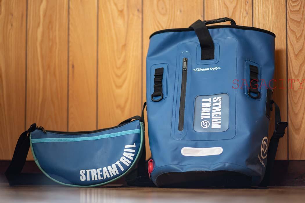 ストリームトレイル防水リュックとショルダーバッグ