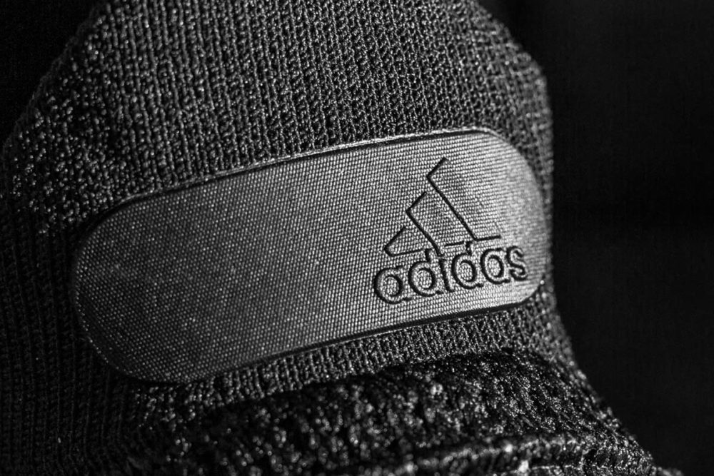 adidasOriginalアディダスオリジナルスロゴ