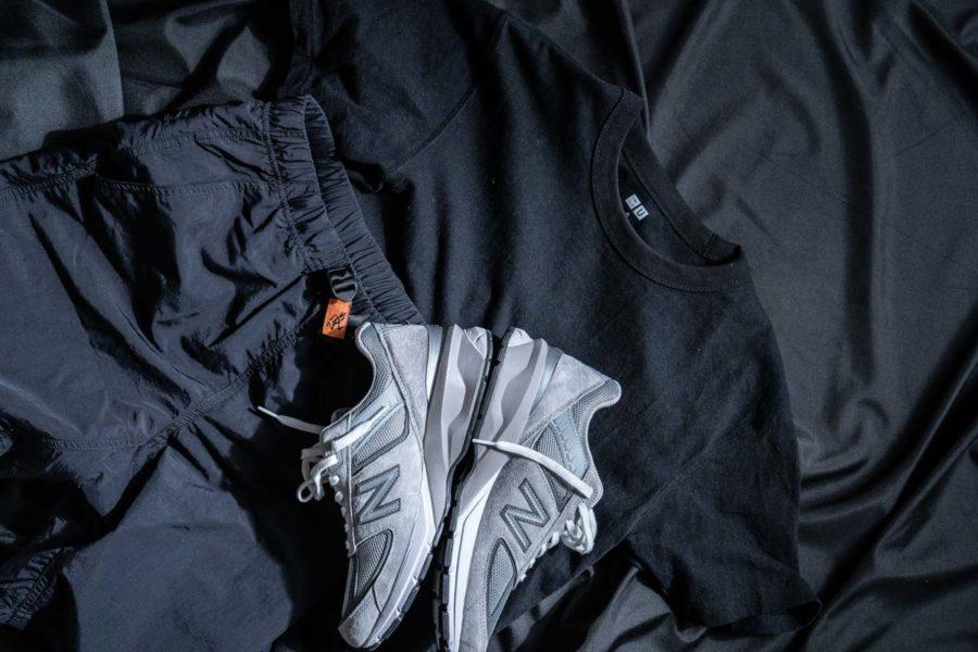 黒Tシャツコーディネート