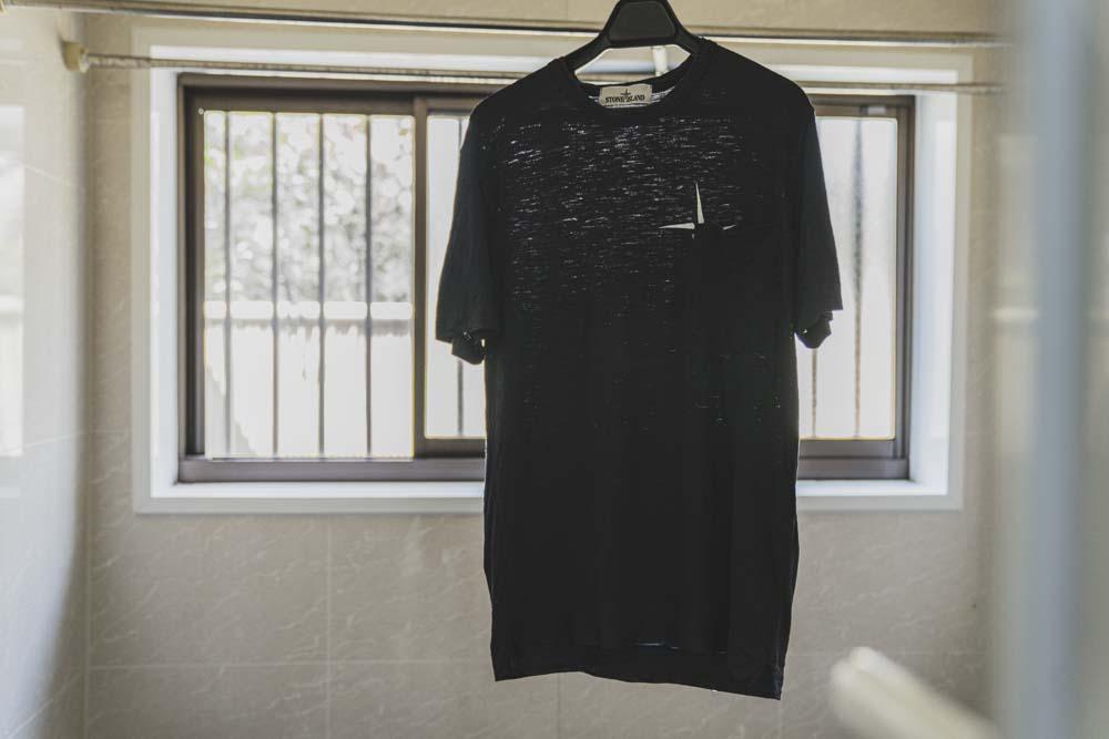 糊づけするTシャツ