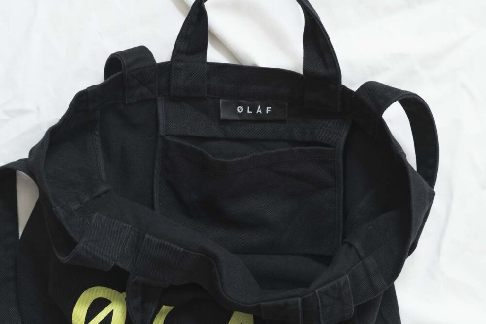 Olaf Hussein(オラフハンセン)のトートバッグの収納ポケット